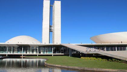 Senado aprova renegociação de débitos fiscais para empresas no Simples Nacional